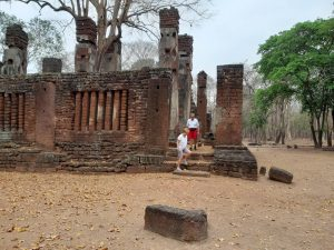 kham phaeng phet historical park