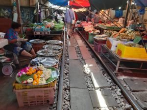 Railway Market SamutSongKhram