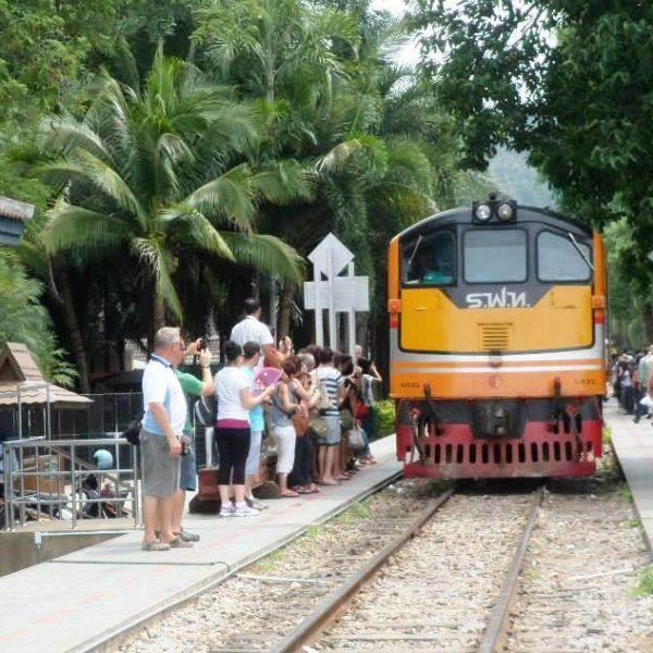 Train@ RiverKwaiBridge